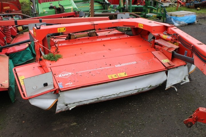 Kuhn FC302G Mower
